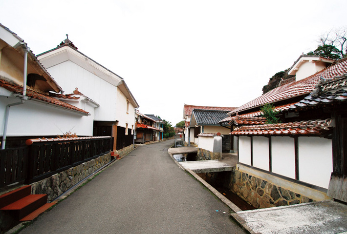 江津本町 甍(いらか)街道